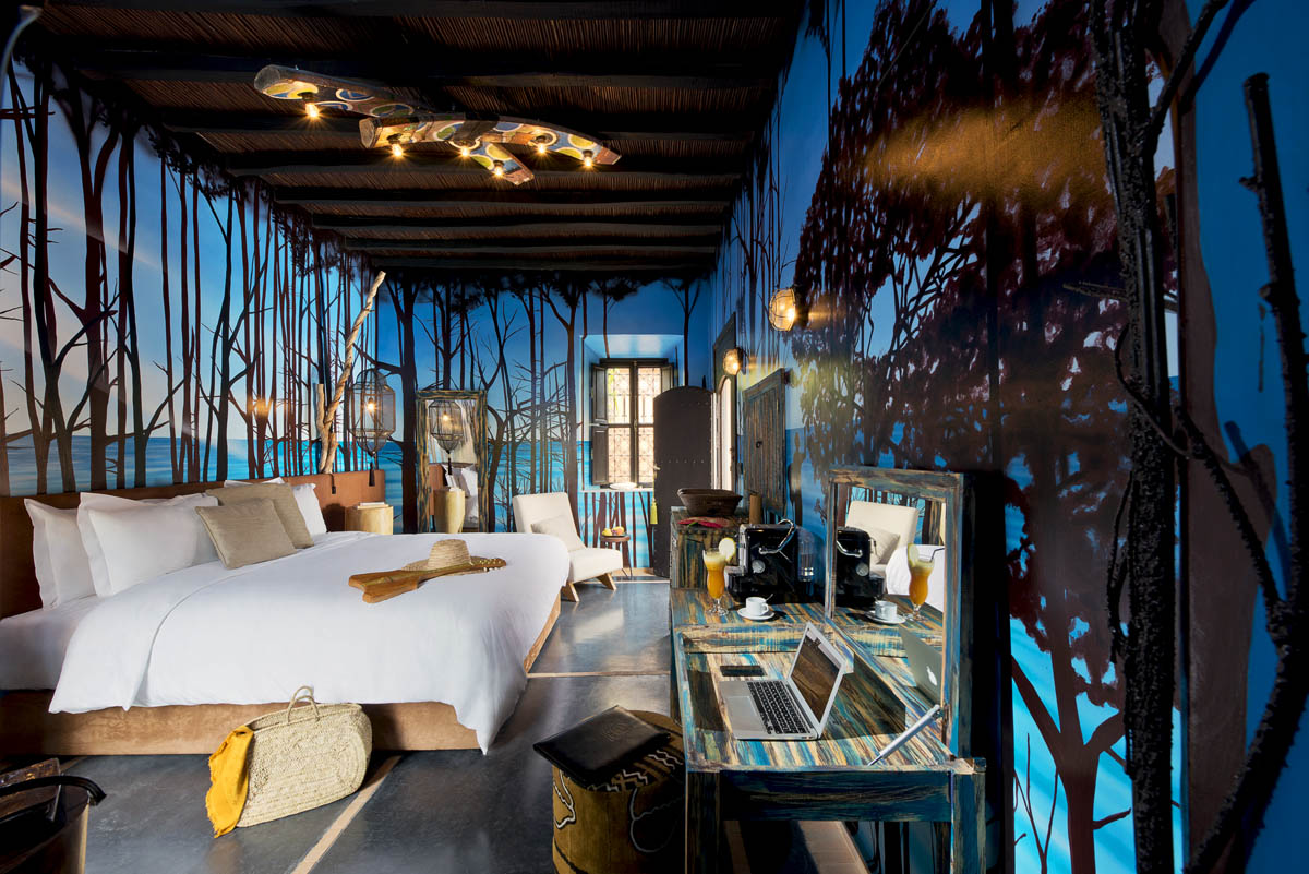 https://www.thesourcemarrakech.com/wp-content/uploads/2017/06/chambre-deluxe-To-The-Sea-maison-hotes-The-Source-Marrakech.jpg