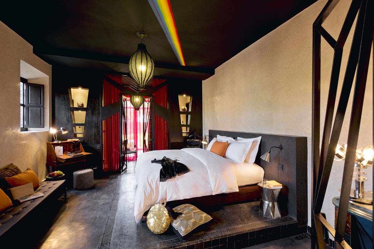 https://www.thesourcemarrakech.com/wp-content/uploads/2017/06/chambre-deluxe-Wish-You-Were-Here-maison-hotes-The-Source-Marrakech.jpg